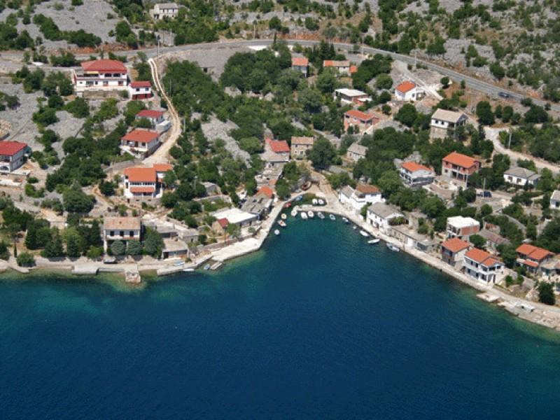 1594-baric-draga-port